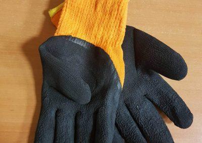 Работни ръкавици с промазка