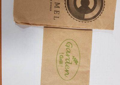 Салфетки бели меки 33/33,1 пласт,ЕКО,лукс,1/8 с печат до 2 цвята